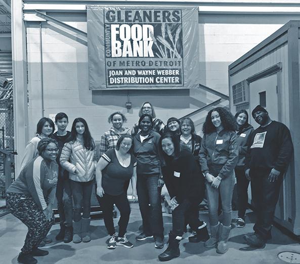 Towne Mortgage volunteers at Gleaners Food Bank